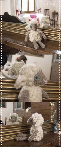SHEEP - realizzato all'uncinetto completamente in lana acrilica, riempimento in bambagia. #sheep #pecora #amigurumi #wool #doll #madewithcare #handmade #crochet