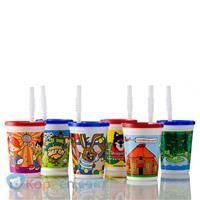 Drinkbeker met rietje - Koppen.com Drinkbeker met rietje. Zes verschillende bekers die geleverd worden inclusief deksel en rietje. Doordat de deksel sluitend is, lekt het bekertje niet. Ideaal dus voor feestje of gewoon voor dagelijks gebruik. Onder de categorie 2D beker met deksel staan nog andere leuke bekers. - See more at: http://www.koppen.com/producten/product/drinkbeker-met-rietje#sthash.1JxptKtc.dpuf
