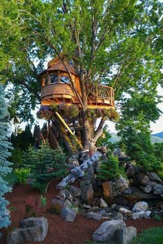 100+ Awesome Treehouse Masters Design Ideas that will Make You Dream to Have It https://decomg.com/100-awesome-treehouse-masters-design-ideas-will-make-dream/