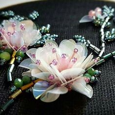 flowers from folded sequins & beads Tambour Beading, Tambour Embroidery, Couture Embroidery, Bead Embroidery Jewelry, Embroidery Fashion, Silk Ribbon Embroidery, Beaded Embroidery, Hand Embroidery, Embroidery Designs