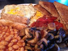 Scrambled eggs & beans on toast | Slimming World Food ...