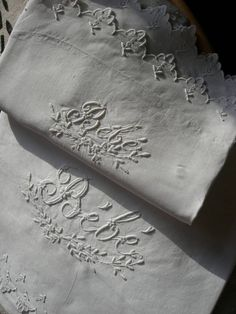 Antique French fine linen hand embroidered baby sheet + pillowcase set Baby Sheets, French Vintage, French Antiques, Pillow Cases, Ebay, Tejidos, Needlepoint, Monogram, La Perla Lingerie