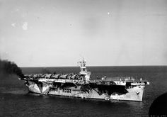 USS SANTEE (ACV-29) as seen from from USS RANGER (CV-4), 15 October 1942, in measure 17 dazzle camouflage American Aircraft Carriers, Dazzle Camouflage, United States Navy, Us Navy, Wwii, Planes, Ranger, Boats, October