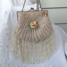 Beaded bag with a❤sweet little rose