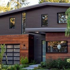 55 Ideas Exterior Wood Siding Rustic For 2019 Home Exterior Makeover, Exterior Remodel, Garage Exterior, Exterior Homes, Garage Remodel, Exterior Paint Colors For House, Paint Colors For Home, Paint Colours, Exterior Colors