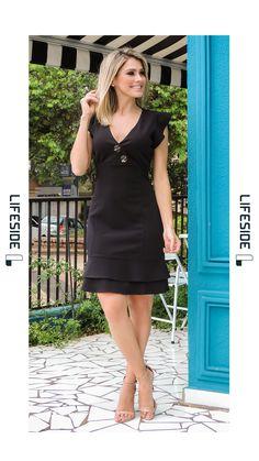 LIFESIDE, Moda Feminina Primavera Verão 2019.   Vestido preto. Cocktail Dress. Vestido casual. Vestido elegante. Vestido de verão. #ModaFeminina #LookDoDia #Looks #ModaPrimaveraVerao #Lifeside #Lookbook #Moda #Fashion #OOTD #SpringSummer2019 #Look #Estilo #Style #PrimaveraVeraoTendencias #Trends #VestidoDeVerao #ModaExecutiva #ModaModesta