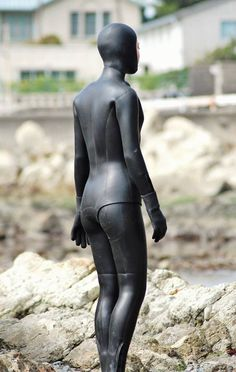 Diving Wetsuits, Rubber Dress, Crazy Costumes, Latex Costumes, Scuba Girl, Womens Wetsuit, Heavy Rubber, Girl Blog, Second Skin