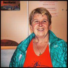 Catherine Poletti is zelf ook aanwezig, een fantastische persoonlijkheid! Racebriefing in Argentieres (+ een heerlijk etentje aangeboden door de organisatie) #TDS #UTMB #Trailrunning #TeamScarabee