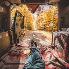 World Camping. Tips, Tricks, And Techniques For The Best Camping Experience. Camping is a great way to bond with family and friends. New Travel, Travel Alone, Travel Trip, Camping Life, Camping Hacks, Camping Ideas, Camping Packing, Backpacking, Alone Photography