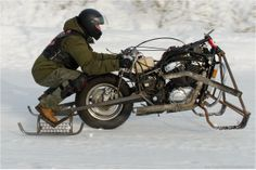 snowdogs course de motos neige customs 9   Snowdogs   course de motos neige customs   tuning photo neige moto image custom