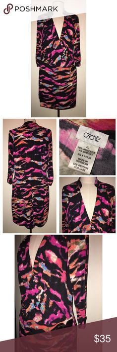 Cache Print Dress Pre•loved Cache Print Dress Size XL Beautiful, bold print Soft, stretch material EUC, no signs of wear 1022171 Cache Dresses
