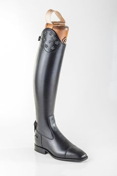 These special and unique Italian DeNiro boots are Black grain calfskin leather, bottom zip guard and zip cage in brushed black leather, pipings in brushed black leather, with Salento top and flower decorations with a DS technology Vibram sole. Horse Riding Boots, Riding Breeches, Boot Brands, Equestrian Style, Tall Boots, Rubber Rain Boots, Studs, Style Me, Black Leather