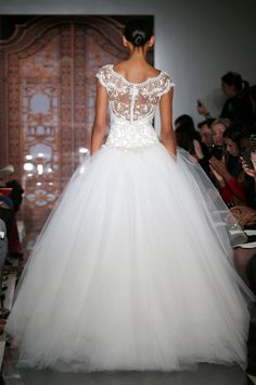 Reem Acra – Bridal Fall 2013    TAGS:Embellished, Embroidered, Floor-length, Meringue, Sequined, White, Ivory, Silver, Reem Acra, Jewelled, Lace, Tulle, Princess, Romantic,