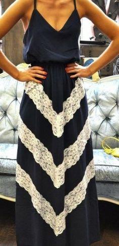 Uzun Dantelli Elbise