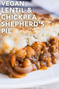 Vegan lentil and chickpea shepherd s pie healthydinner veganrecipes veganmealideas vegandinnerecipes veganmeals Lentil Recipes, Veggie Recipes, Cooking Recipes, Healthy Recipes, Easy Recipes, Healthy Meals, Beef Recipes, Chicken Recipes, Recipies