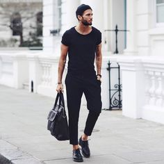 All black outfit for men best mens fashion, men fashion 2017 summer, fashio Mens Fashion Blog, Best Mens Fashion, Fashion Mode, Mens Fashion Suits, Fashion Advice, Fashion 2017, Fashion Styles, Fashion Menswear, Fashion Outfits