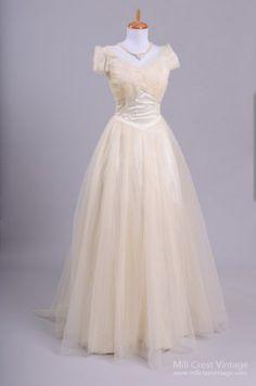 1960's Princess Cut Vintage Wedding Gown : Mill Crest Vintage