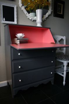 I've always wanted a secretary desk ... this paint job makes me want one even more