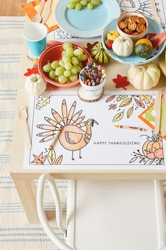 Here's a fun idea for the kids at Thanksgiving: Thanksgiving crafts for the kids table! These easy DIY crafts will keep them occupied during any Thanksgiving party. Check out the FREE printables, and get the kids crafting this holiday! Thanksgiving Parties, Thanksgiving Crafts, Thanksgiving Table, Fall Crafts, Kid Table, Easy Diy Crafts, Fall Recipes, Activities For Kids, Amelie