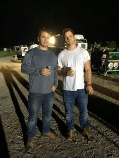 Rob on set with his stunt double Robert Kazinsky, Stunt Doubles, Stunts, On Set, Fox, Foxes
