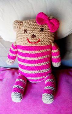 Weaving with Max: The Bear's Bride Bear Cat Amigurumi, Quick Knits, Crochet Cushions, Christmas Stocking Stuffers, Crochet Doll Pattern, Knitting Socks, Knitting Needles, Knitting Patterns Free, Hello Kitty