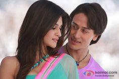 Kriti Sanon and Tiger Shroff in a still from movie 'Heropanti'