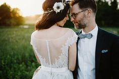 Rich hued florals, birch tree branches and a moody bohemian feel… This elegant wedding at Glen Foerd on the Delaware in Pennsylvania is brimming with gorgeous details! From the unique floral hoops and eco-friendly décor, to the incorporation of Sukkot — a week-long Jewish festival celebrating the harvest — Gab + Mark's wedding was perfectly...