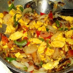 ackee and saltfish Carribean Food, Caribbean Recipes, National Dish, Jamaican Recipes, Specialty Foods, Breakfast Time, Fish And Seafood, International Recipes, Soul Food