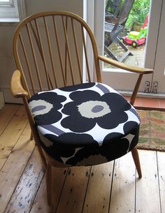 ercol chair recovered and Unikko Ercol Chair, Ercol Furniture, Upscale Furniture, Swivel Rocker Recliner Chair, Simple Furniture, Eames Chairs, Retro Furniture, Sofa Chair, Couch