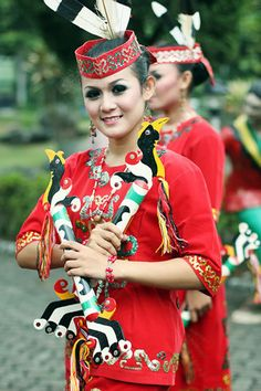 Mengenal 7 Rumpun Suku Dayak di Pulau Kalimantan Borneo, Traditional Outfits, Asian, Culture, Costumes, History, Womens Fashion, Clothes, Beauty