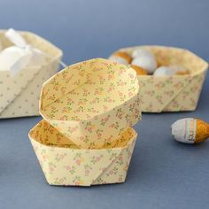 Photo tutorial for a paper basket (post in German)