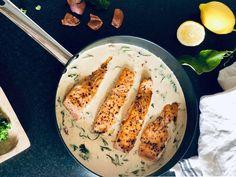 Laks med kremet saus - Salty lemon Laksa, Camembert Cheese, Lemon, Nikko, Food, Spinach, Essen, Meals, Yemek
