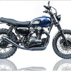 THE MIDNIGHT RAMBLER Deusシドニーのバイクビルダー、 ジェレミー・タガーンがKawasaki W650を ベースに新しくカスタムした車両  フルスペックは このプロフィール上にリンクしてあるdeuscustoms.com で ご覧いただけます。 Resident Deus Camperdown head mechanic Jeremy Tagand is becoming quite well known for his tracker rendition of the Kawasaki W650. Built at the house of simple pleasures by @jeremy.tagand @deushouse  Head to deuscustoms.com to check out the full build. Photos by @thomaswalk#LTmoto