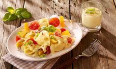Fruchtig-frischer Nudelsalat mit Curry und Kirschtomaten