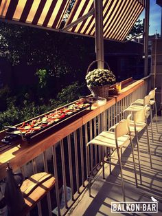 Create extra space on your balcony to organize a nice barbecue party