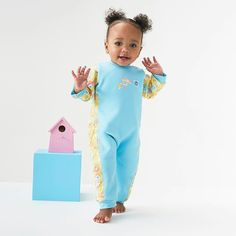 @splashaboutuk Is your little one feeling the cold in the pool at their swimming lessons? Keep them warm in and out of the water with our range of Warm In One Baby Wetsuit's . . . #splashabout #babywetsuit #wetsuit #warminone #friday #fridayfeeling #gardenbirds #birds #print #blue #yellow #cute #toddlersofinstagram #toddler #girls #boys #babyswimwear #babyswimming #warm #swim #autumn #winter #cold #swimminglessons #babyswim #swim #swimming