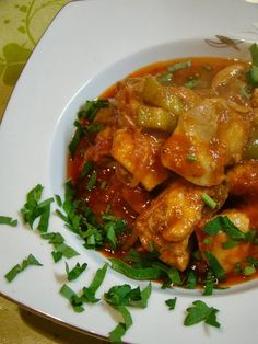 Thai Red Curry, Cooking Recipes, Chicken, Ethnic Recipes, Food, Dukan Diet, Chef Recipes, Essen, Eten