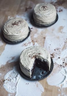 mini chocolate cakes + cardamom buttercream.