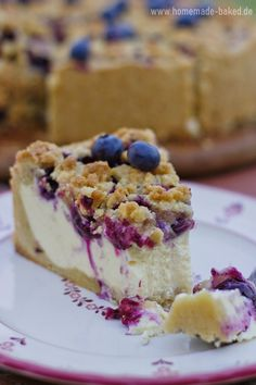 {Rezept} Heidelbeer-Streusel-Käsekuchen | Tag des Käsekuchens | homemade and baked Food-Blog Cheesecake, Homemade, Eat, Desserts, Blog, Drink, Pies, Passionfruit Cheesecake, Blueberry Crisp