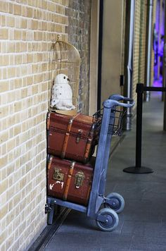 Make your way to King's Cross Station. | Here's How To Have A Harry Potter Weekend In London