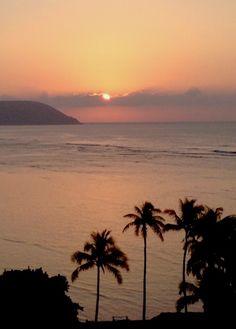 Gorgeous sunrise at the Kahala Hotel & Resort