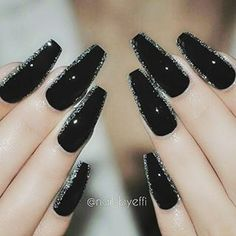 Black with glitter outline @nailsbyeffi