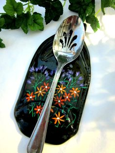 Recycled glass spoon rest