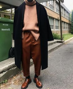 Classy Streetwear on Rate his fit from Man Street Style, Men Street, Street Wear, Minimalist Street Style, Minimalist Fashion, Look Fashion, Trendy Fashion, Mens Fashion, Fashion Trends