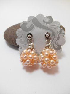 Earrings : Peach Cluster Pearl Ball Earrings