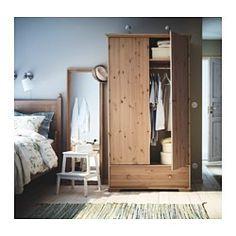 IKEA - ГУРДАЛЬ, Шкаф платяной, , Выразительная природная фактура массива сосны придает каждому предмету мебели индивидуальный облик.Вместительный ящик обеспечат достаточно места для хранения.Ящик плавно движется по деревянным направляющим.Регулируемые ножки позволяют скорректировать неровности пола.Для организации внутреннего пространства можно дополнить внутренними элементами серии СВИРА.