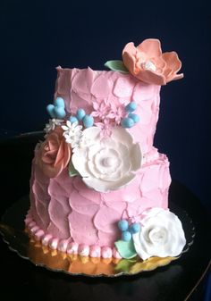 Birthday Cake, Desserts, Flowers, Projects, Food, Log Projects, Birthday Cakes, Deserts, Dessert