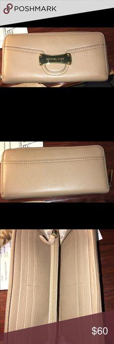 Michael Kors Wallet Great condition Michael Kors Bags Wallets