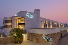 Garden Court Kitwe on the copperbelt in Zambia offers air-conditioned rooms, with high standard of service coupled with an international experience. Outdoor Swimming Pool, Swimming Pools, Garden Windows, Bath Or Shower, Great Hotel, Bus Station, Online Travel, Park Hotel, Convention Centre
