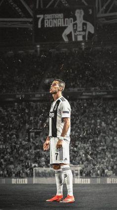 Cristiano Ronaldo w pierwszym sezonie gry dla Juventusu Foto Cristiano Ronaldo, Christano Ronaldo, Cristiano Ronaldo Hd Wallpapers, Juventus Wallpapers, Ronaldo Football, Cristiano Ronaldo 7, Football Football, College Football, Juventus Fc
